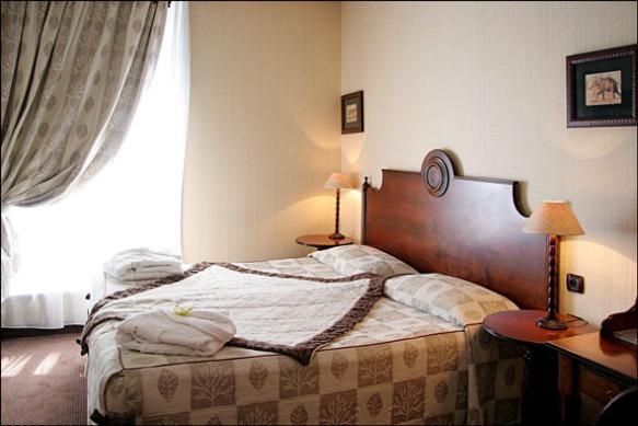 chambre d'hotel en journée - Villa Montparnasse