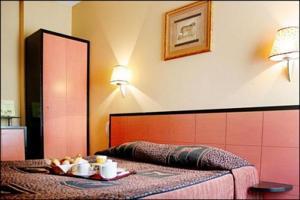 Chambre d'hôtel en journée 15e arrondissement de Paris