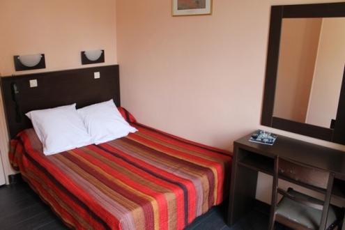 Chambre d'hôtel en journée Vincennes