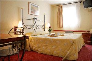 Chambre d'hotel en journée 14e arrondissement