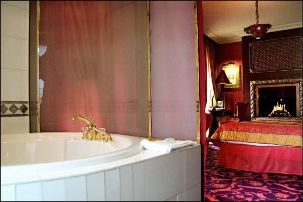 Hotel journée Paris dans un Jacuzzi
