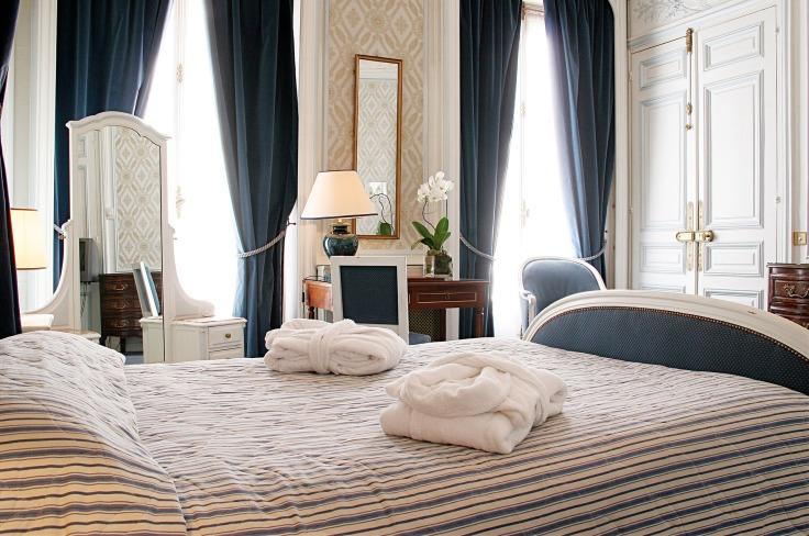 Un hôtel en journée à Paris