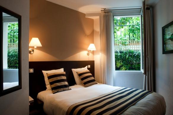 chambre d'hôtel en journée Champs Elysées Paris