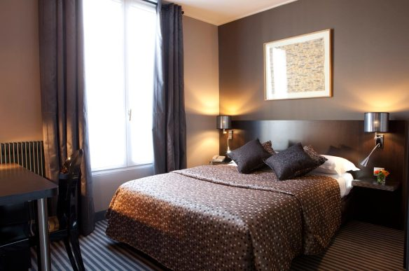 chambre d'hôtel en journée Paris