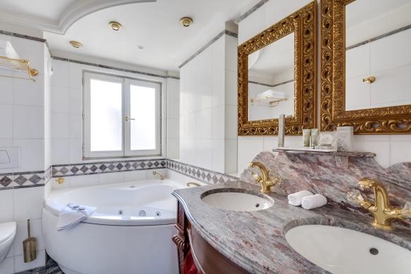 deluxe jacuzzi salle de bain - Salle De Bain De Luxe Avec Jacuzzi